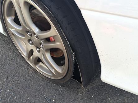 タイヤ破壊・破損