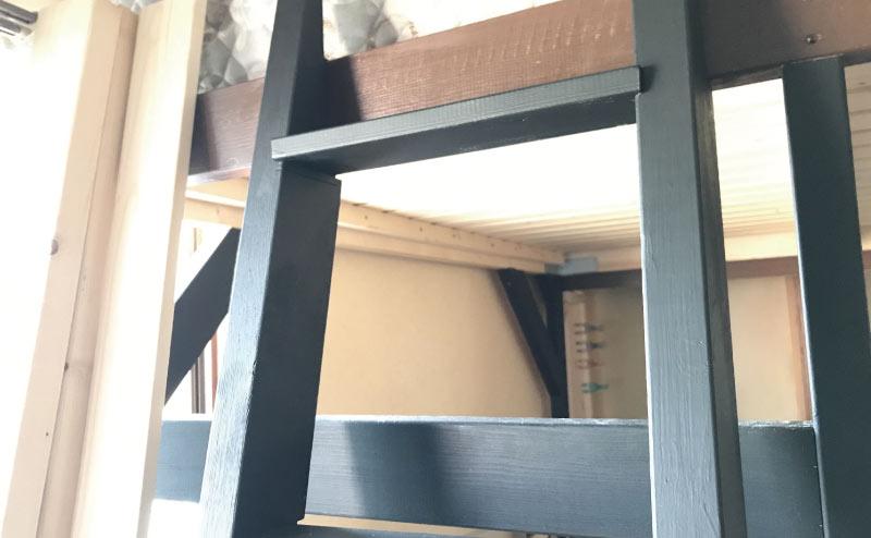 DIY梯子を塗装