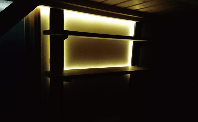 LEDテープによる間接照明もDIY